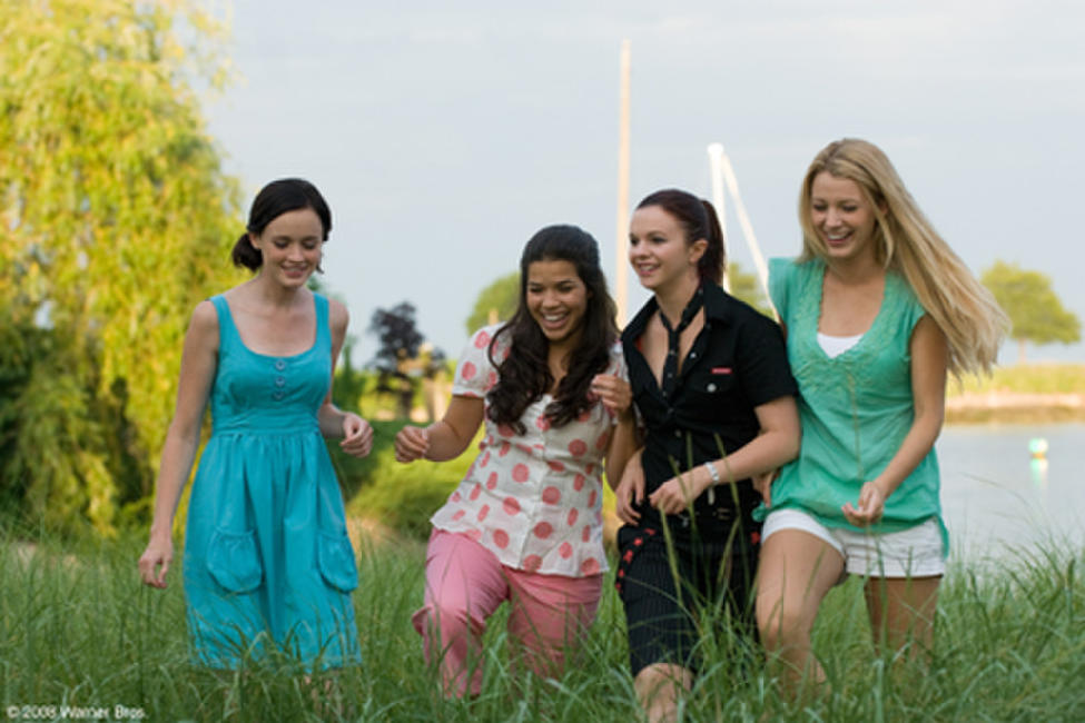 The Sisterhood of the Traveling Pants 2 Photos + Posters