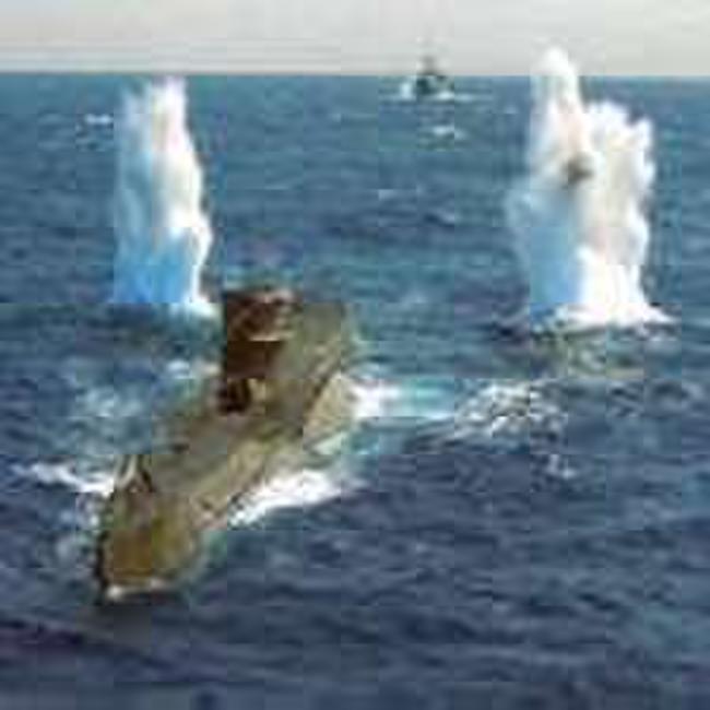 U-571 Photos + Posters