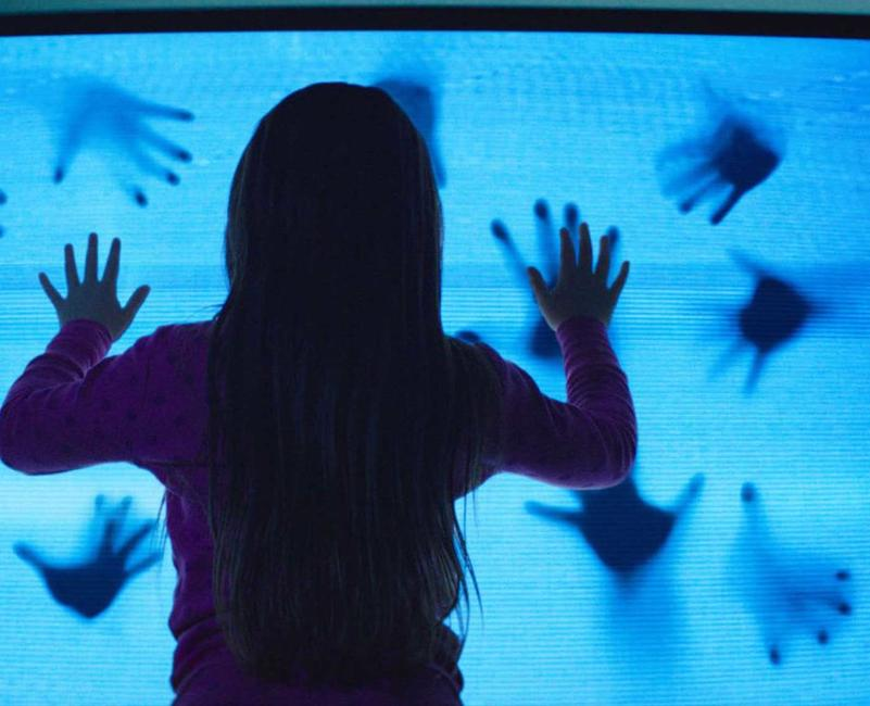 Poltergeist (2015) Photos + Posters