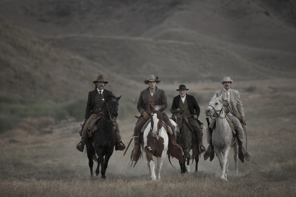 Bone Tomahawk  Photos + Posters
