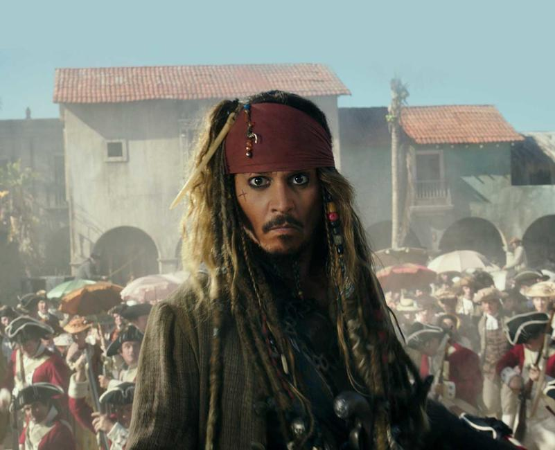 Pirates of the Caribbean: Dead Men Tell No Tales Photos + Posters